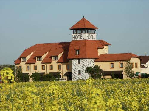 Foto - Accommodation in Nupaky - Fama Hotel U Věže